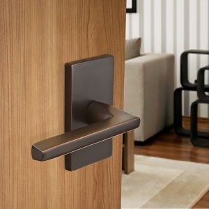 Interior Door Hardware in Miami FL - Choosing the Right Color