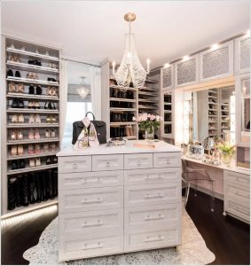 Four Tips for the Perfect Walk-in Closet