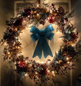 DIY Interior Door Holiday Decorations - Interior Door Installers in Miami