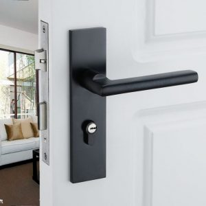 How to clean Interior Doors in Miami